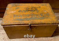 Early box Old Mustard Paint Wilma Calico Quilt Scrapes Linsey Woolsey Dated