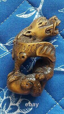 Old Japanese Netsuke Dragon. Signed Tamaishi